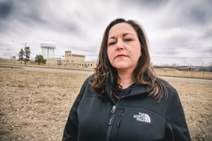 LeeAnne Walters from the United States Walters led a citizens' movement that tested the tap water in Flint, Michigan, and exposed the Flint water crisis. The results showed that one in six homes had lead levels in water that exceeded the EPA's safety threshold.