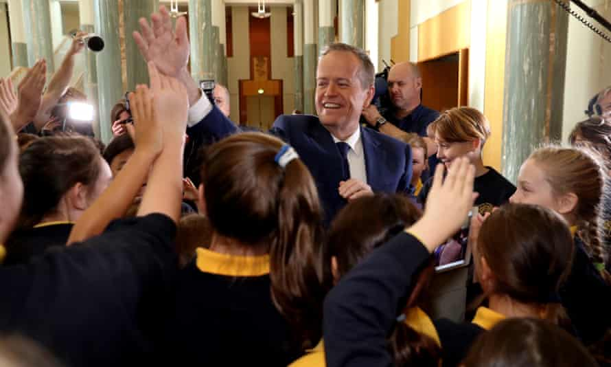 Bill Shorten high fives children from Waverley public school in the great hall of parliament house last year.