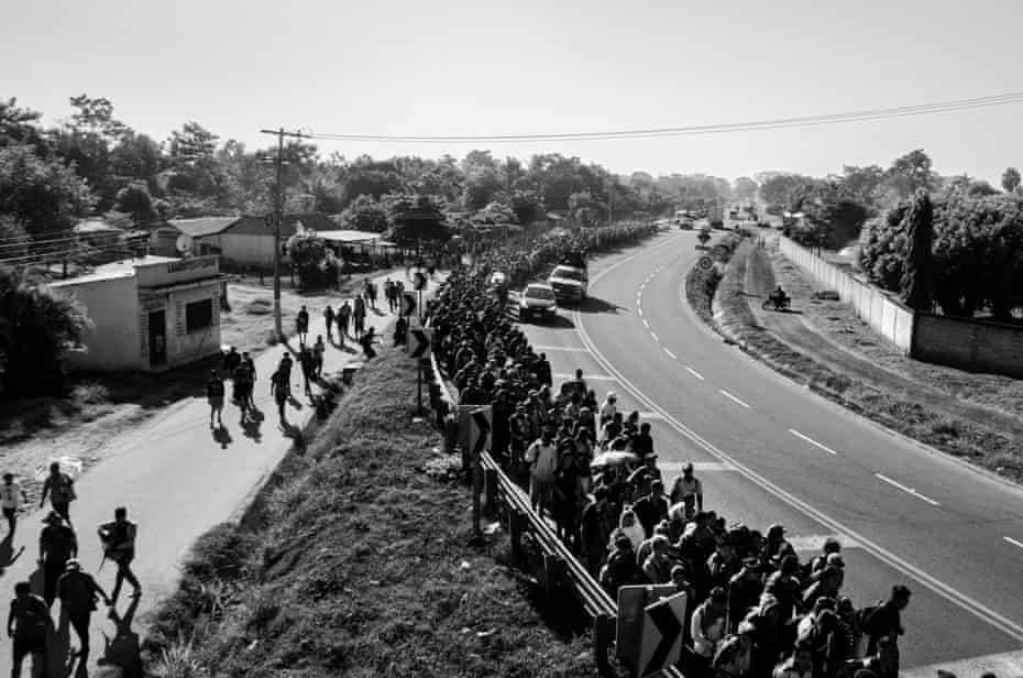 An estimated 4,000 people left San Pedro Sula on 15 January and walked more than 500 miles a week. The caravan split into two groups: 800 members travelled to the border of El Ceibo and Tabasco, Mexico, while the larger group went to the border of Tecún Uman and Chiapas, Mexico