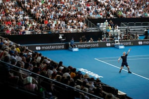 Murray serves first and claims the opening game
