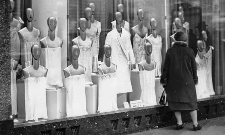 Mannequins in their nightgowns, Paris, circa 1920.