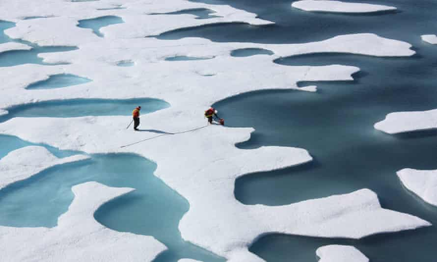 Melting of the Arctic summer sea ice