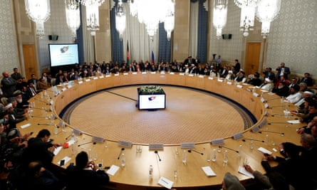 Taliban members and Afghan figures meet for talks in Moscow