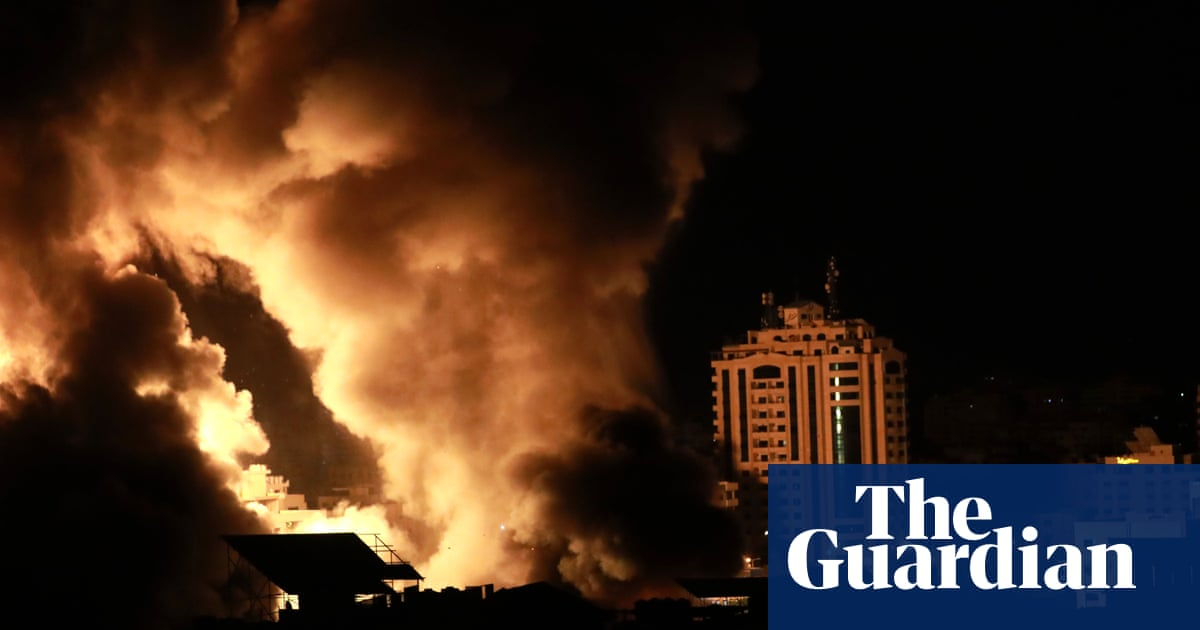 Israel unleashes wave of airstrikes on Gaza as Biden issues statement supporting ceasefire – video