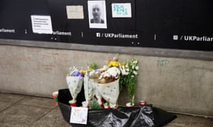 Tributes for Gyula Remes, who died opposite Parliament.