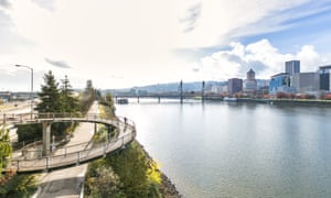 View of the Willamette river and downtown area in Portland, Oregon, as seen from the east side of the city.