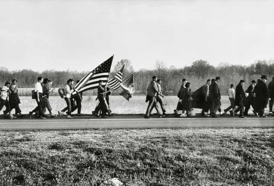 A court order allowed only 300 people to march to Montgomery when Highway 80 became two lanes. President Lyndon B. Johnson provided security for the five-day march. There were 2,000 army troops, 1,000 military police, and a federalized Alabama National Guard. 1965 © 2017 Steve Schapiro