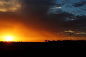 Another day begins in Longreach, with the sun set to scorch the earth once more.