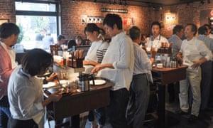 Life in Tokyo … a stand-up Ikinari Steak restaurant