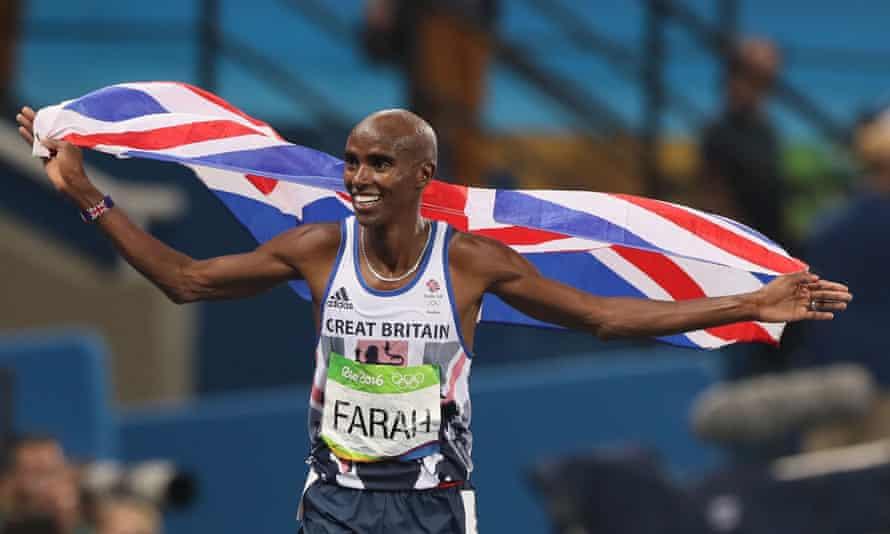 Mo Farah's celebrates winning the men's 5000m