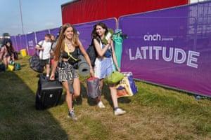 Southwold, UK. Festivalgoers arrive at the Latitude festival in Henham Park, Suffolk