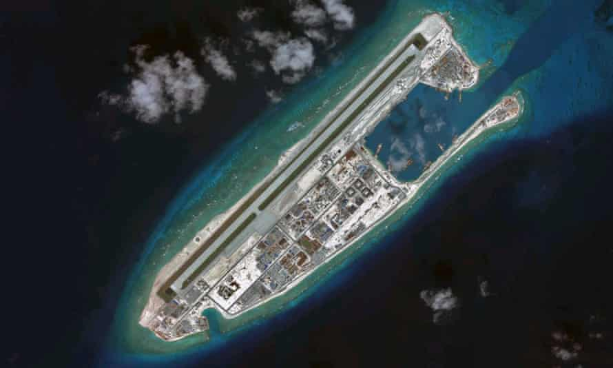 An aerial photograph of Fiery Cross Reef, where it is reported that missiles have been installed.