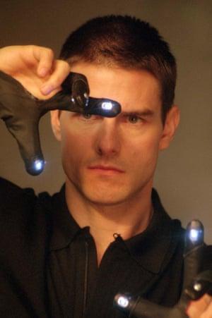Tom Cruise as detective John Anderton in Minority Report.