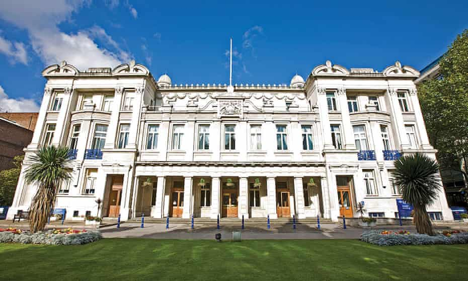 The Queens' Building, which is used for college administration, as well as the School of Economics and Finance.