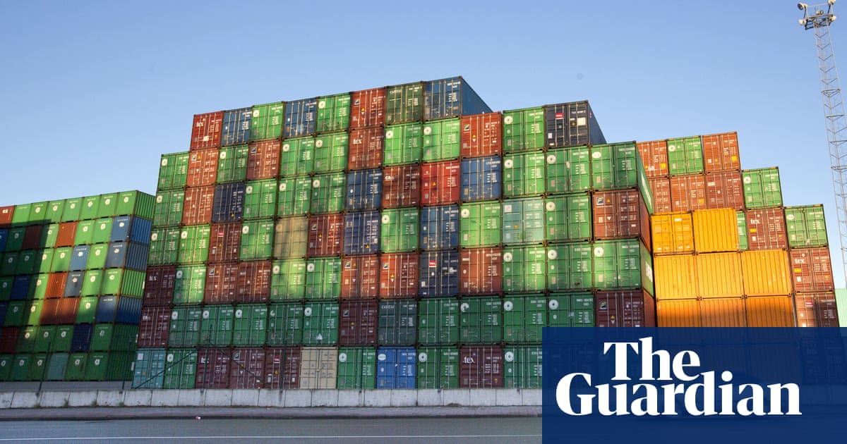 Drug suspects trapped in container call Antwerp police for help