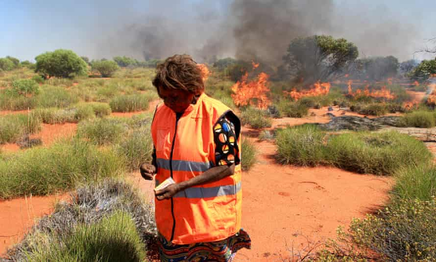 Aboriginal rangers and traditional owners conduct burns