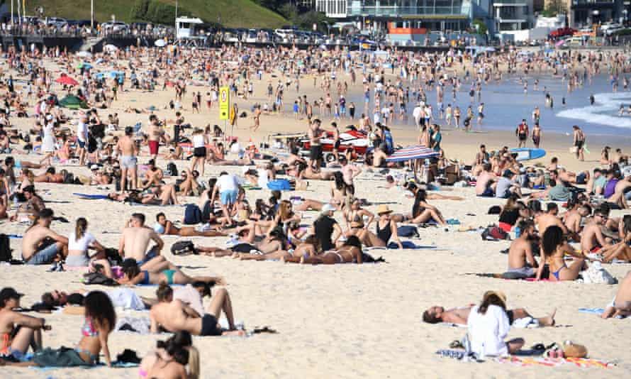 Lots of people at Bondi beach
