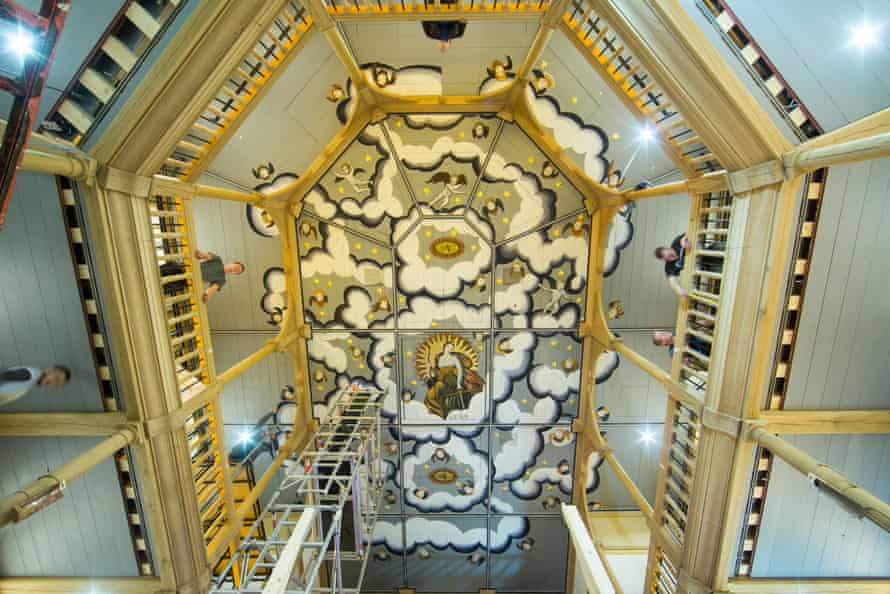 Work nears completion on the ceiling of the Sam Wanamaker Playhouse in 2014