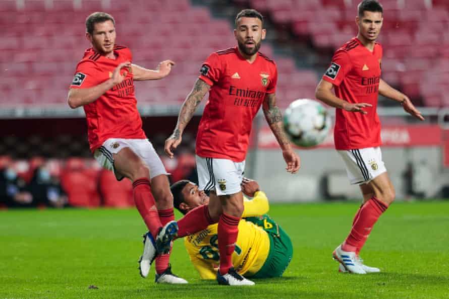 Jan Vertonghen of Benfica and Nicolás Otamendi in action against Paços de Ferreira.