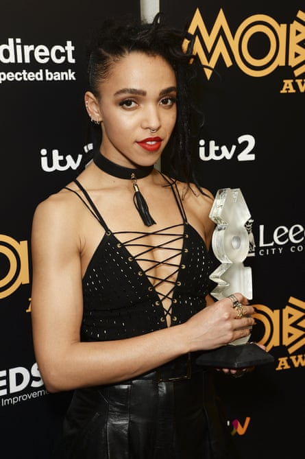 FKA Twigs poses after being awarded Best Video during the MOBO Awards at First Direct Arena on November 4, 2015 in Leeds, England