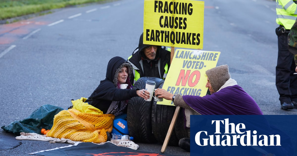 Government's shift to relax shale gas fracking safeguards condemned