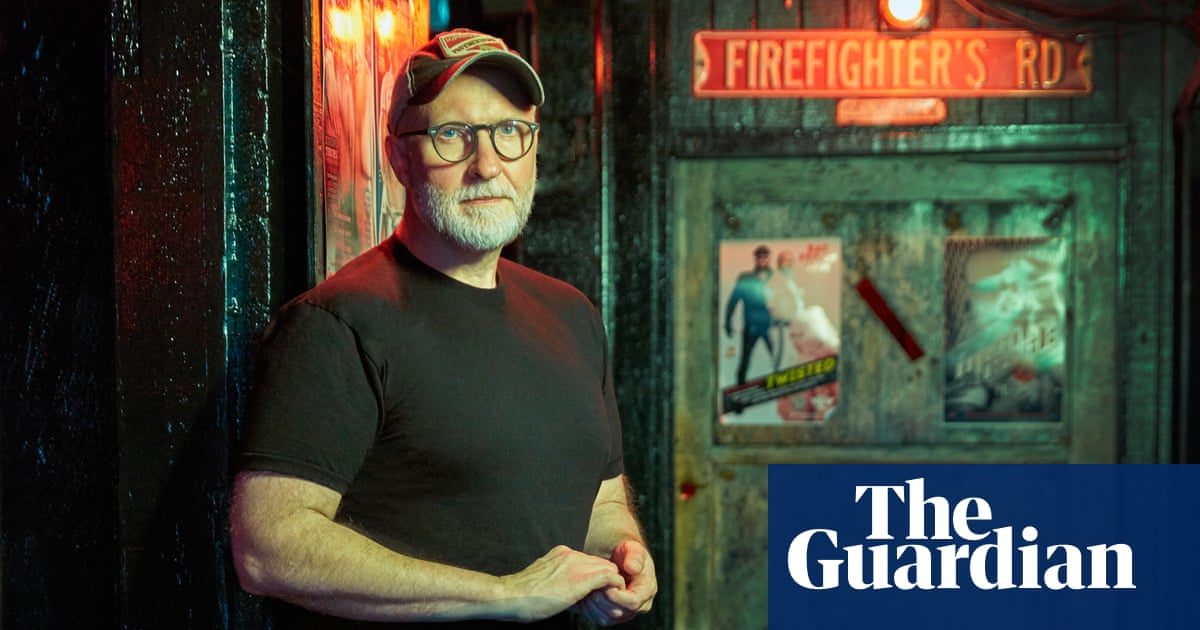 Bob Mould, alt-rocks gay icon, takes on American evil: My heads on fire!