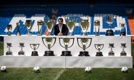Real Madrid president pays tribute to Iker Casillas following retirement from football – video