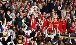 Liverpool captain Alan Hansen lifts the FA Cup after Liverpool had beaten Everton 3-1 to win the 1986 FA Cup final.