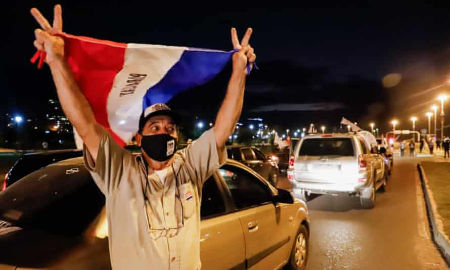 Protesters against government corruption in Asuncion, Paraguay, gathered on 22 June, blocking two lanes of traffic at the Paraguay River waterfront.