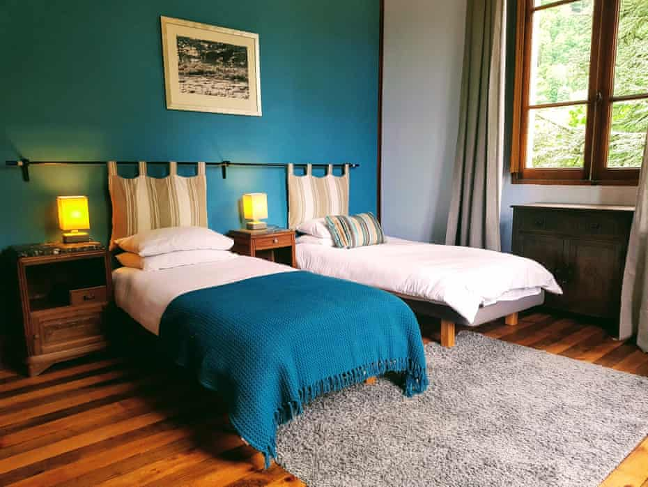 Twin bedroom at The Free Range Chalet, French Pyrenees, France
