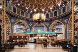 Ibn Battuta mall consists of six courts, each of whose design is inspired by countries visited by the great Moroccan Berber explorer Ibn Battuta.