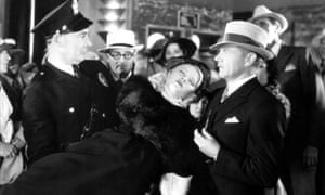 Mary Carlisle as a damsel in distress in the 1934 B movie Murder in the Private Car.