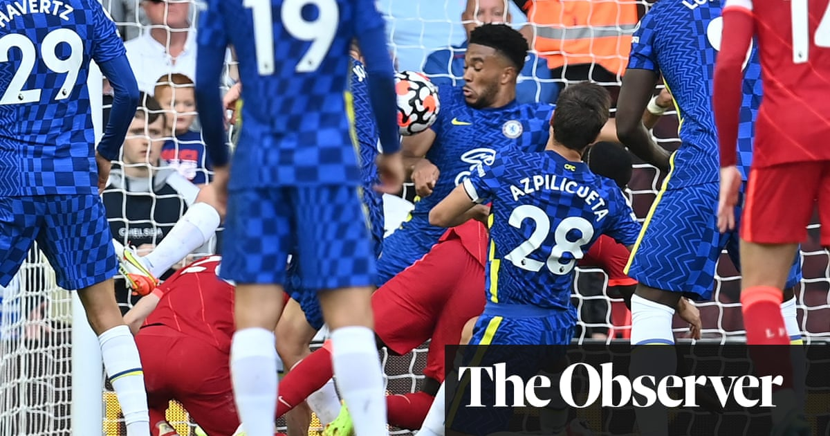 Chelsea's Thomas Tuchel criticises referee over Reece James red card