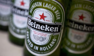 Each 'e' in Heineken tilts upward, making them look as if they are smiling.