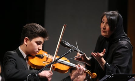 Amiri conducted a 71-member orchestra as part of the Fajr music festival.