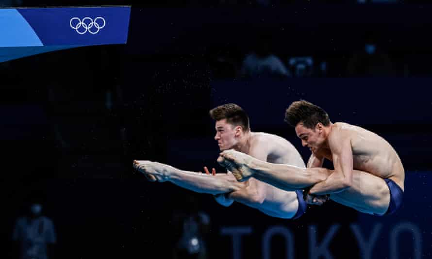Matty Lee and Tom Daley diving for gold.