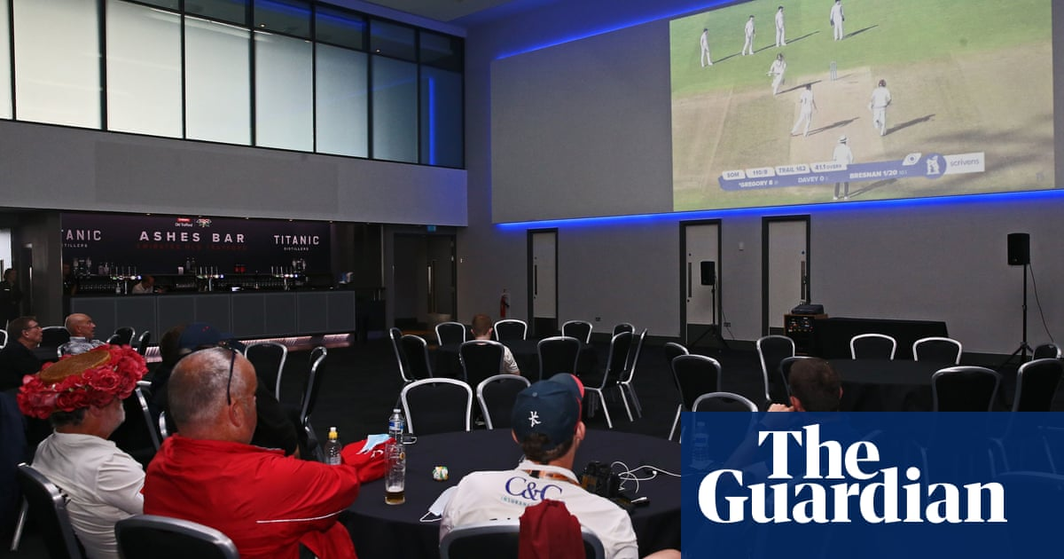 Lancashire party mood turns sour at empty and forlorn Old Trafford | Tanya Aldred
