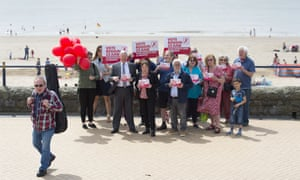 Maria Eagle, shadow culture secretary, and Alan Johnson, chair of Labour In for Britain, campaigning in Barry in Wales today.