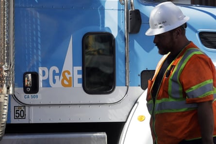 PG&E's de-energizing plan calls for a consideration of a variety of criteria and conditions.