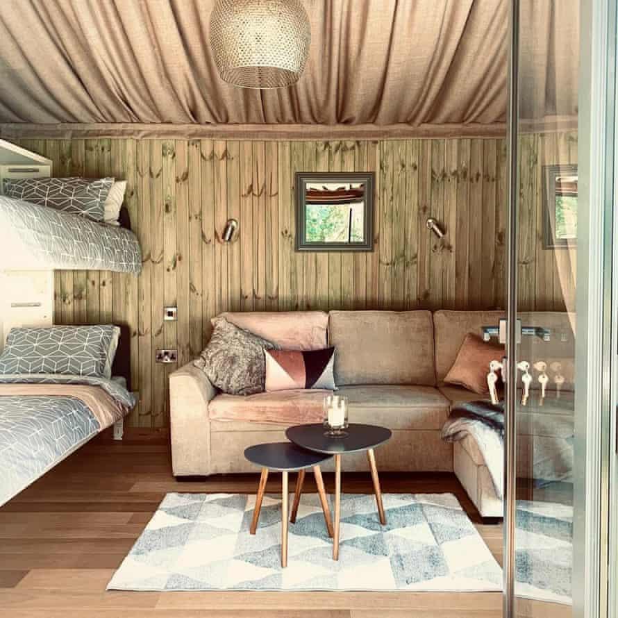 Riverside Cabins interior