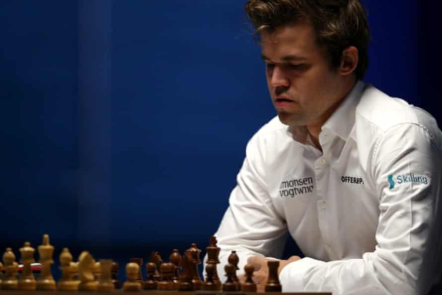Magnus Carlsen competing in January 2021.