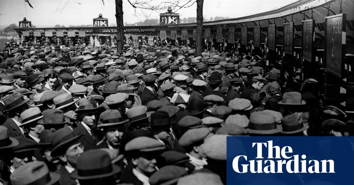 Readers reply: when and why did men stop wearing hats?