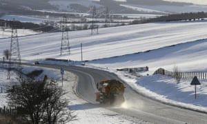 UK weather: gritters at the ready as country braces for bitter cold