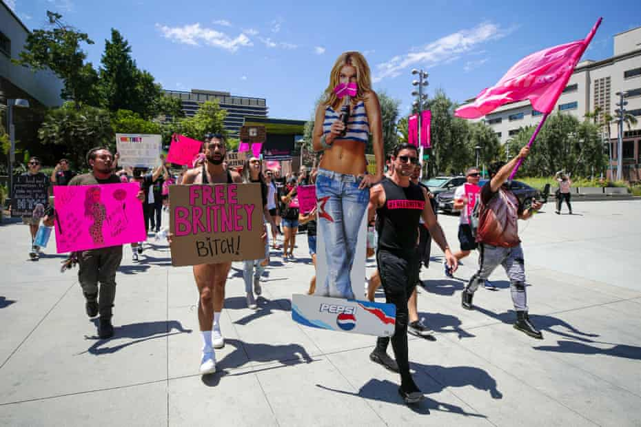 Supporters of Britney Spears rally at a hearing on the star's conservatorship case.