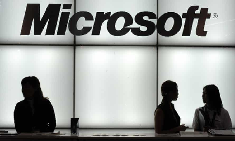 Microsoft Japan's four-day work week project gave its entire 2,300 person staff five Friday's off in a row without decreasing pay.