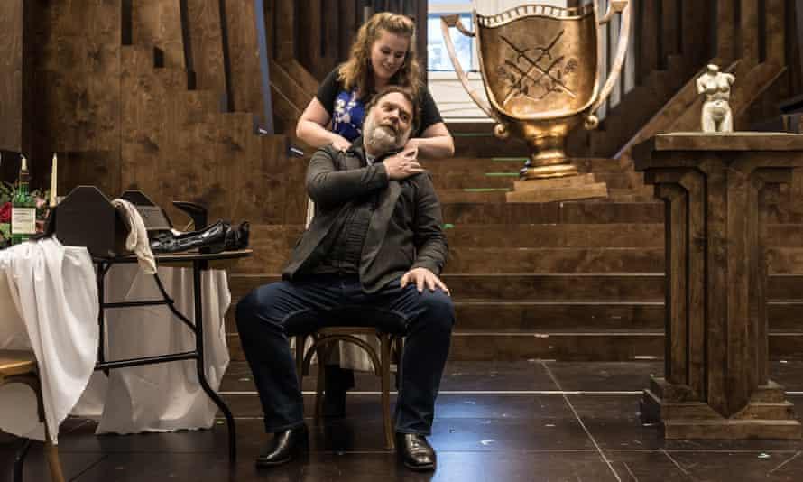 Rachel Willis-Sørensen and Bryn Terfel rehearse Mastersingers at Covent Garden.