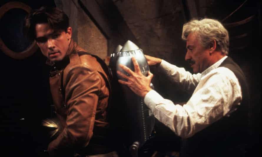 1991, Film Title: ROCKETEER, Director: JOE JOHNSTON, Studio: DISNEY, Pictured: ALAN ARKIN, WILLIAM CAMPBELL. (Credit Image: SNAP)F6HDC3 1991, Film Title: ROCKETEER, Director: JOE JOHNSTON, Studio: DISNEY, Pictured: ALAN ARKIN, WILLIAM CAMPBELL. (Credit Image: SNAP)