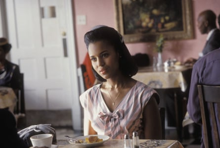 Washington as Della in the 2004 film Ray, which told the story of Ray Charles.