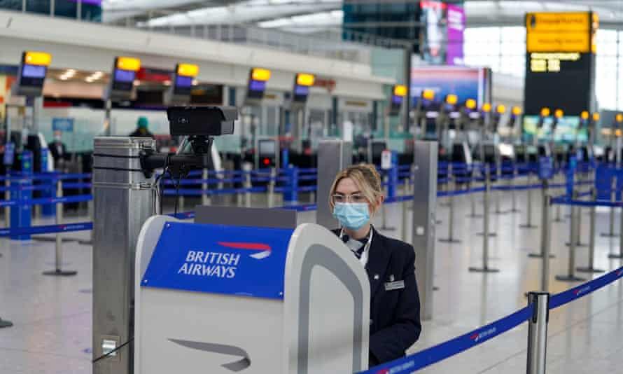 BA worker wearing a face mask