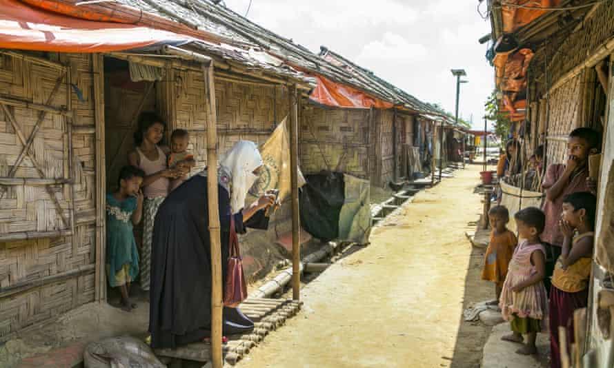 Rohingya women in Cox's Bazar refugees camp, Bangladesh